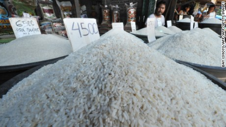 Various kinds of rice are displayed for sale at a market in Jakarta on March 1, 2010. Indonesia said that consumer prices rose 3.81 percent year on year in February due to the rising cost of rice.  But month-on-month inflation slowed to 0.30 percent from 0.84 percent in January as gold and jewellery prices fell, the statistics agency said.  AFP PHOTO / Bay ISMOYO (Photo credit should read BAY ISMOYO/AFP/Getty Images)