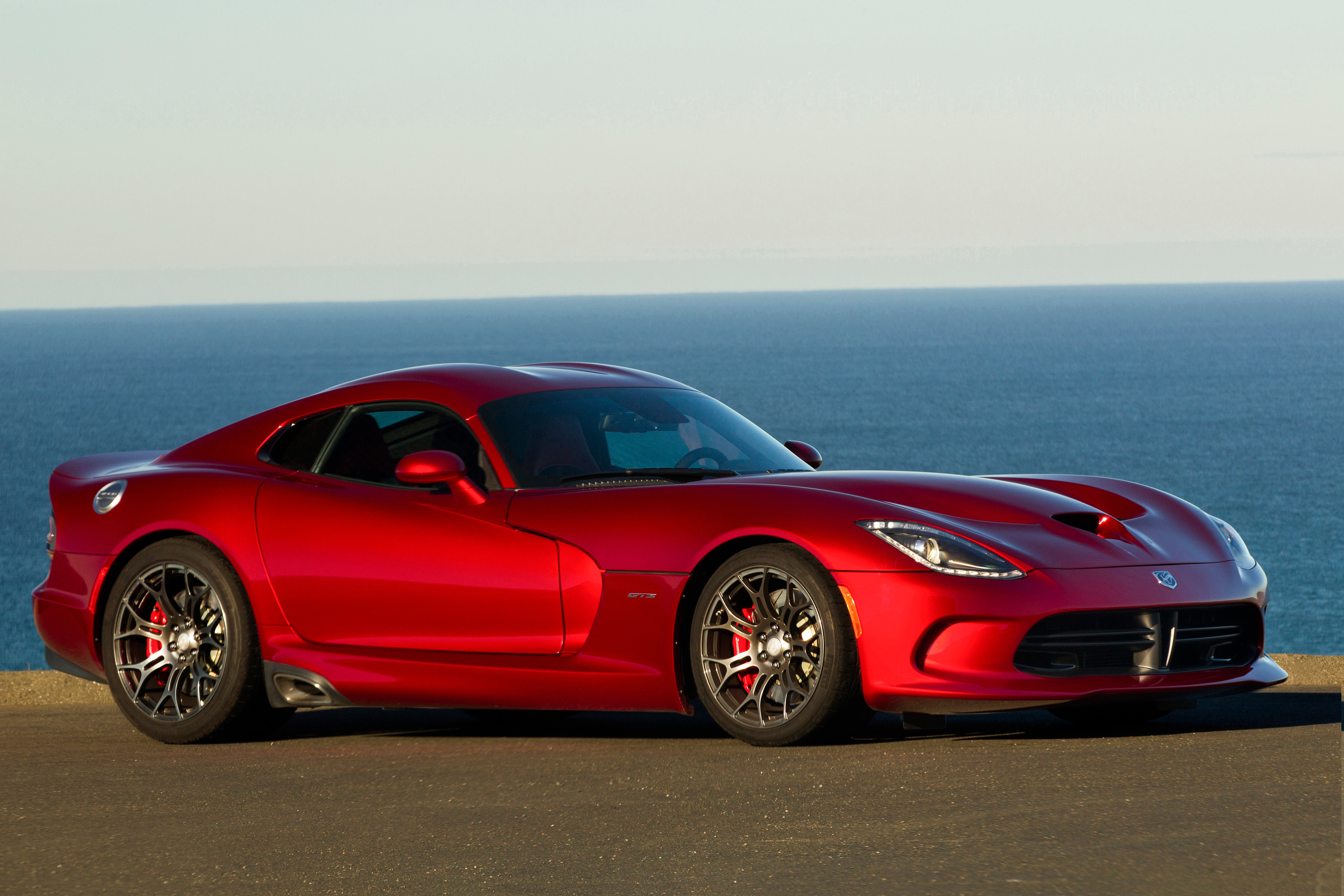 Dodge viper american classic sells out in 40 minutes cnn style publicscrutiny Choice Image