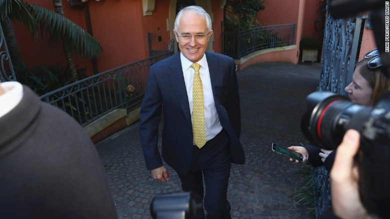 Australia: Turnbull declares victory in close election
