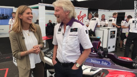 Virgin boss Richard Branson backs electric car future