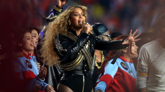 SANTA CLARA, CA - FEBRUARY 07:  Beyonce performs during the Pepsi Super Bowl 50 Halftime Show at Levi's Stadium on February 7, 2016 in Santa Clara, California.  (Photo by Patrick Smith/Getty Images)