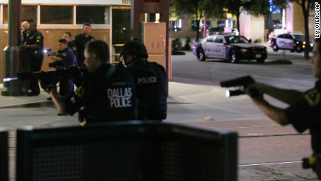 Dallas sniper attack: 5 officers killed, suspect identified