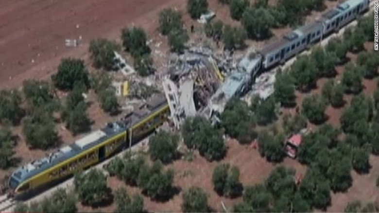 Trains collide in southern Italy