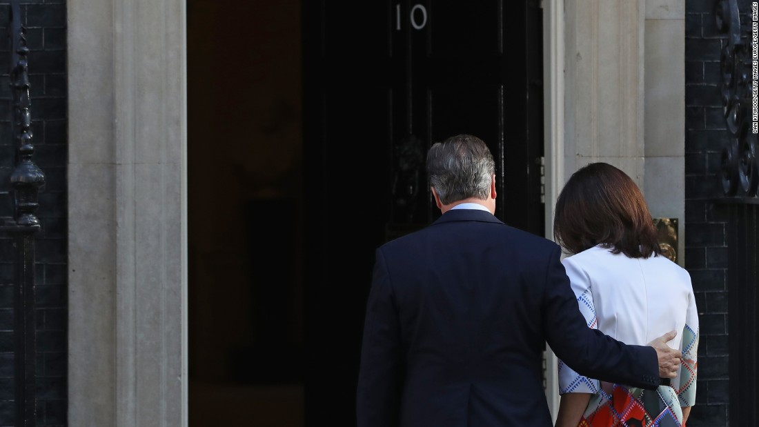The Camerons walk back into 10 Downing Street after David Cameron announces his resignation following the UK's decision to leave the European Union on June 23.