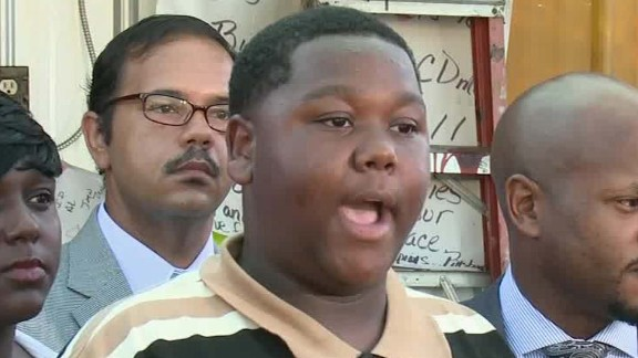 alton sterling son cameron speaks out_00003010.jpg