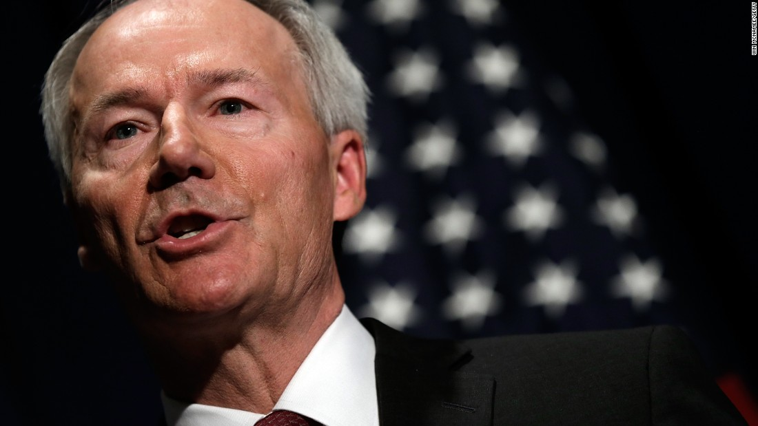 Arkansas governor defends no stay-at-home statewide order as 'successful' thumbnail