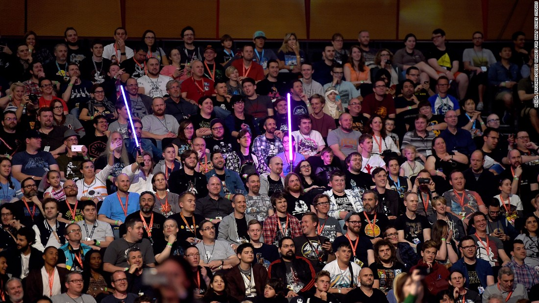 """Star Wars"" fans turn out to see the ""Rogue One"" panel."
