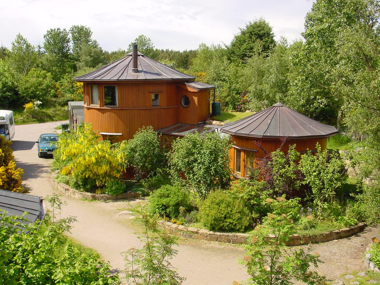 Scotland: Findhorn Ecovillageu0027s Whisky Barrel Houses | CNN Travel