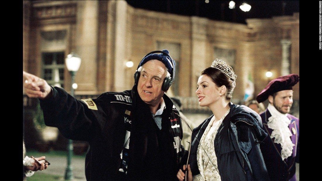 "Marshall works with Anne Hathaway during the shooting of ""The Princess Diaries"" in 2004."