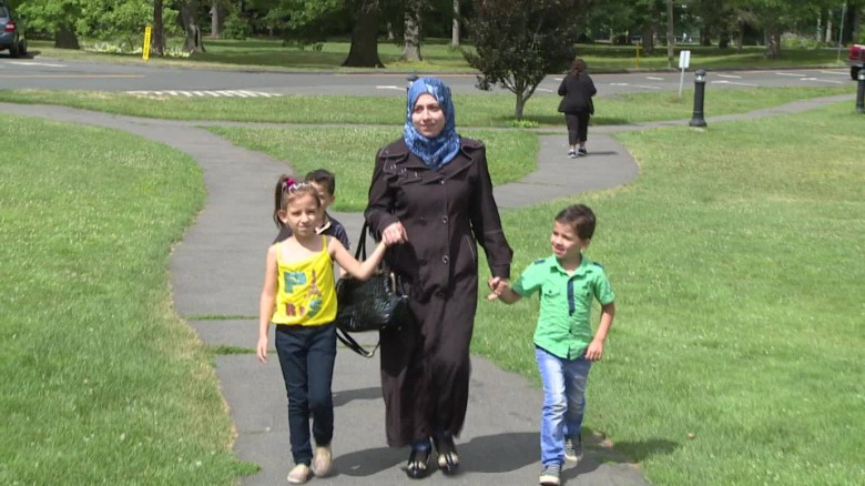 Syrian refugees get warm welcome in Connecticut