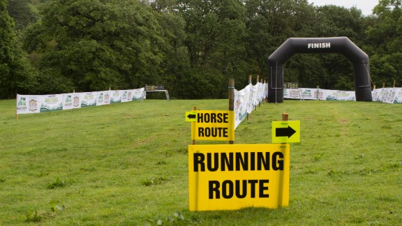 The finish line is split in two, segregated by species. In 2016, a horse came in first place, as usual.