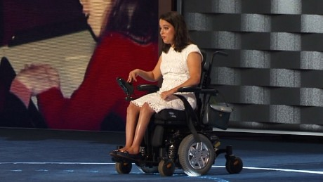 Disability advocate steals spotlight at DNC