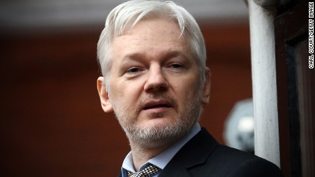 Trump backs Wikileaks founder on Russia intel