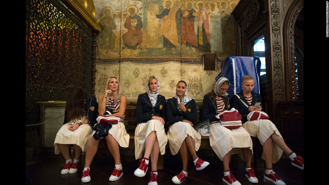 Before departing for Rio the team attended a religious service at Assumption Cathedral at the Kremlin.