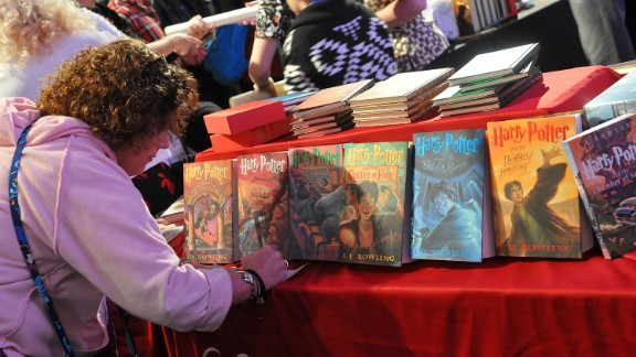 ORLANDO, FL - JANUARY 29:  A 'Harry Potter' fan attends the 3rd Annual Celebration Of Harry Potter at Universal Orlando on January 29, 2016 in Orlando, Florida.  (Photo by Gerardo Mora/Getty Images)