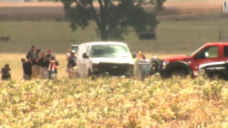 Officials look into cause of hot air balloon crash