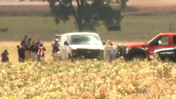 NS Slug: TX: 16 KILLED IN HOT AIR BALLOON CRASH  Synopsis: Burning hot air balloon crashes in Central Texas, killing all 16 on board.  Keywords: LOCKHART TEXAS HOT AIR BALLOON ACCIDENT FATALITIES