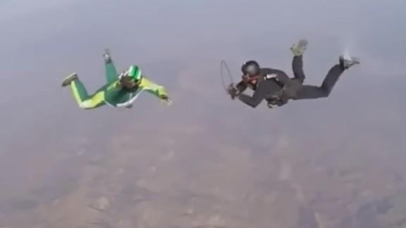 luke aikins skydive no parachute newday _00000515.jpg