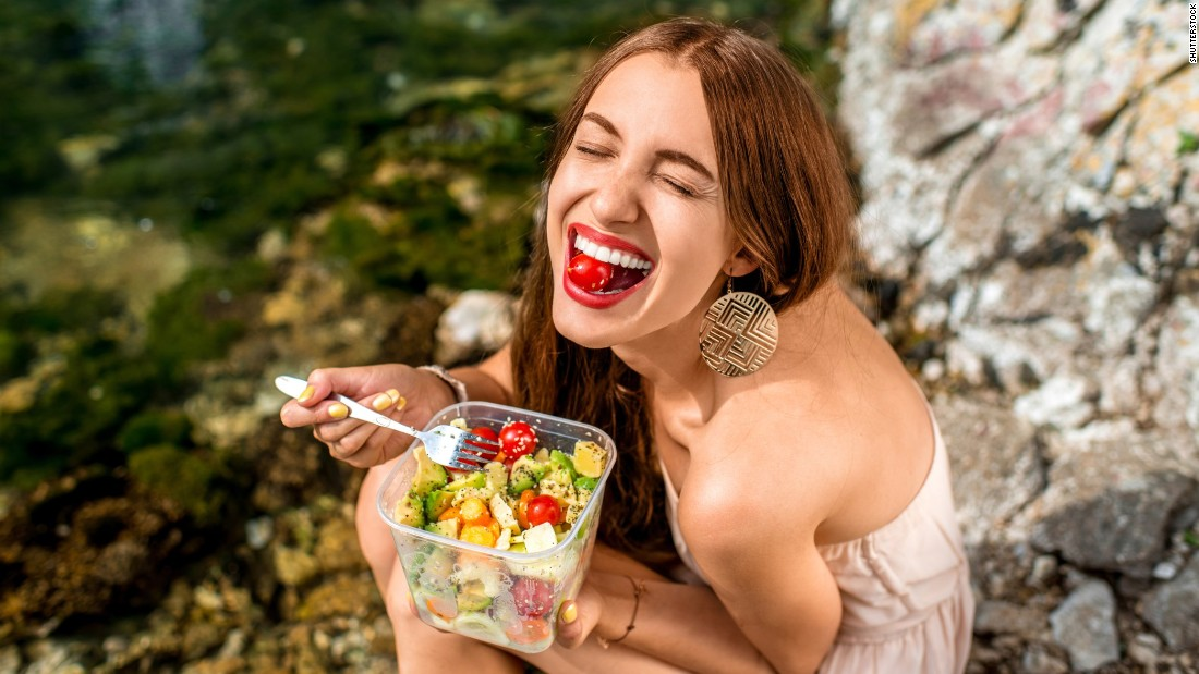 If this woman were eating yet another boring PB&J, she'd be much less excited.<strong> Tip 3: Have basic recipes that go beyond sandwiches. </strong>Salads, for example, can include a ton of easy, tasty options.