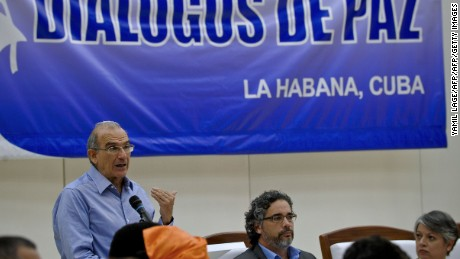 The head of the Colombian delegation for the peace talks with the FARC, Humberto de la Calle, speaks during a press conference at the Convention Palace in Havana, on July 24, 2016. After a half-century of conflict, on June 23, 2016 the rebel Revolutionary Armed Forces of Colombia (FARC) and the Colombian government signed a definitive ceasefire and disarmament agreement. / AFP / YAMIL LAGE        (Photo credit should read YAMIL LAGE/AFP/Getty Images)