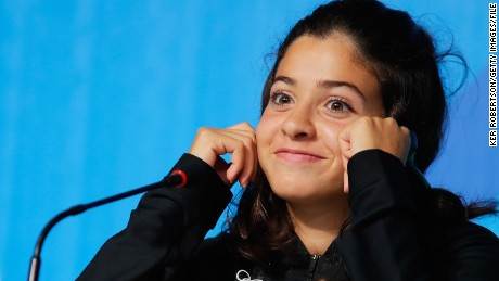 Yusra Mardini: Refugee swimmer off to flying start after Pope Francis sends letter