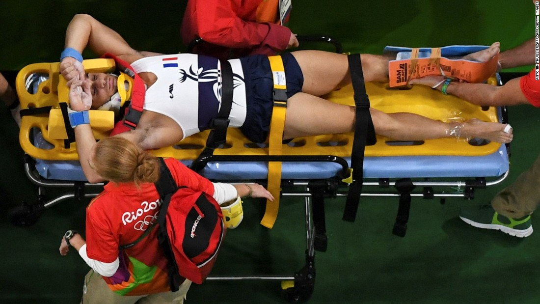 French gymnast breaks leg during vault in Rio