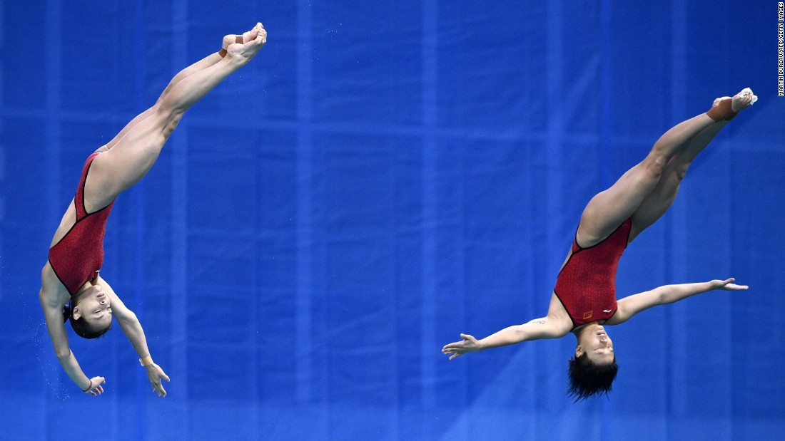 China's Wu Minxia and Shi Tingmao won the women's synchronized 3m springboard final. Wu became the first diver to win five Olympic golds.