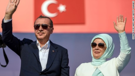 Turkey considers expanding presidential powers