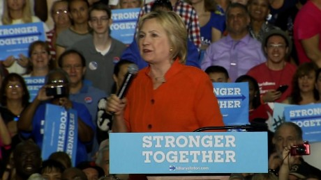 Hillary Clinton: Trump only wants to help the wealthy