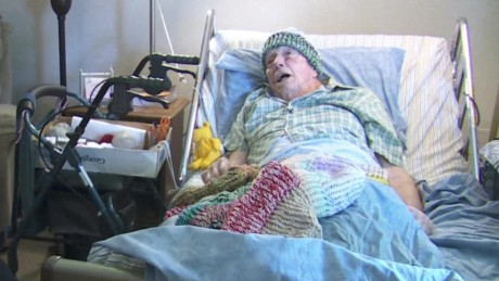 91-year-old hospital patient knits hats for homeless