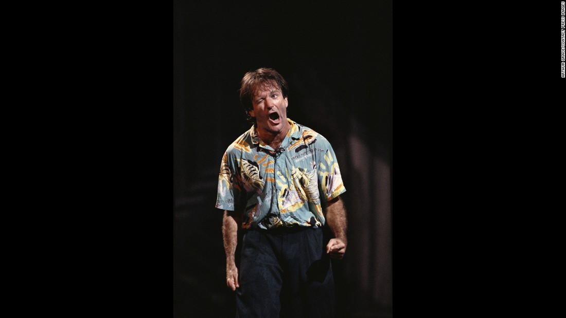 "Williams performs at the Metropolitan Opera House in 1986. Grace, a photojournalist who has covered the White House, said he and Williams hit it off in part over Williams' interest in politics and Grace's work travels to Eastern Europe. ""His intellect was incredible,"" Grace said. ""He was well-versed in any number of subjects -- always fascinating."""