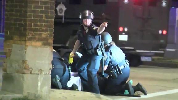 milwaukee police shooting protests raw orig bpb_00011620.jpg