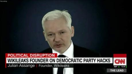 Assange asks DOJ if Clinton case sets up new standard