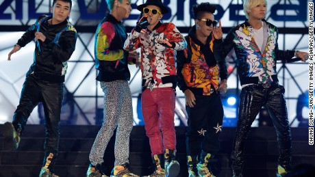 SEOUL, SOUTH KOREA - MARCH 11: Seungri, G-Dragon, TOP, Taeyang and Daesung of Big Bang perform on the stage during a concert at the K-Collection In Seoul on March 11, 2012 in Seoul, South Korea.  (Photo by Chung Sung-Jun/Getty Images)