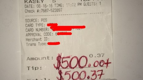 Grateful woman leaves $500 tip to kind waiter