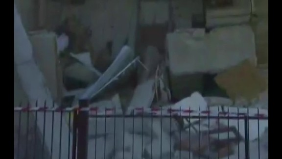italy house collapse facebook live mobile orig mss_00003818.jpg