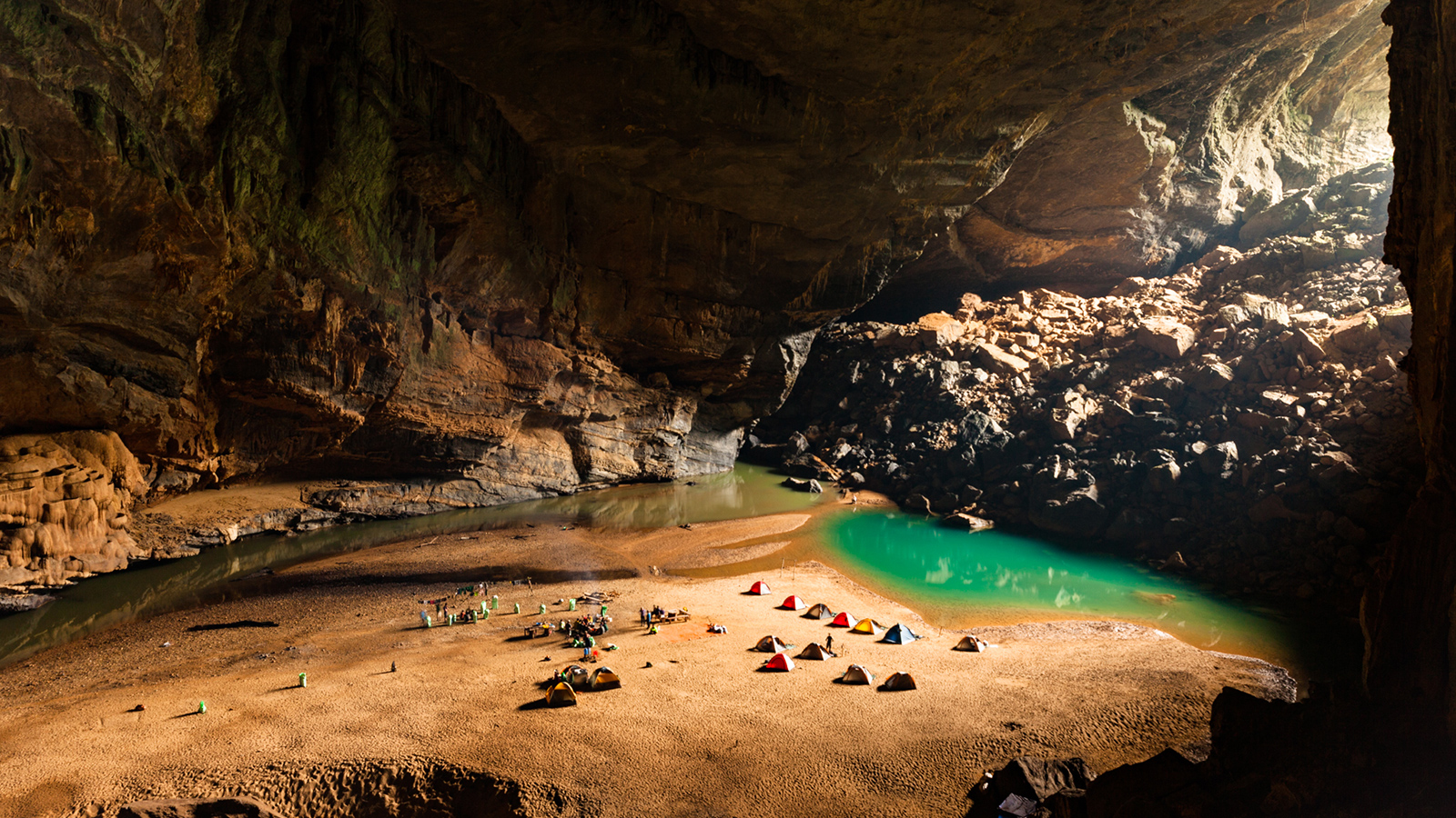 See World S Largest Cave Hang Son Doong In Vietnam Cnn Travel