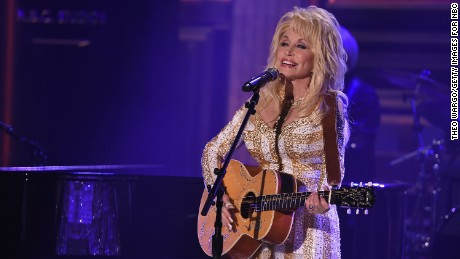 "Dolly Parton Visits ""The Tonight Show Starring Jimmy Fallon"" at Rockefeller Center on August 23, 2016, in New York City."