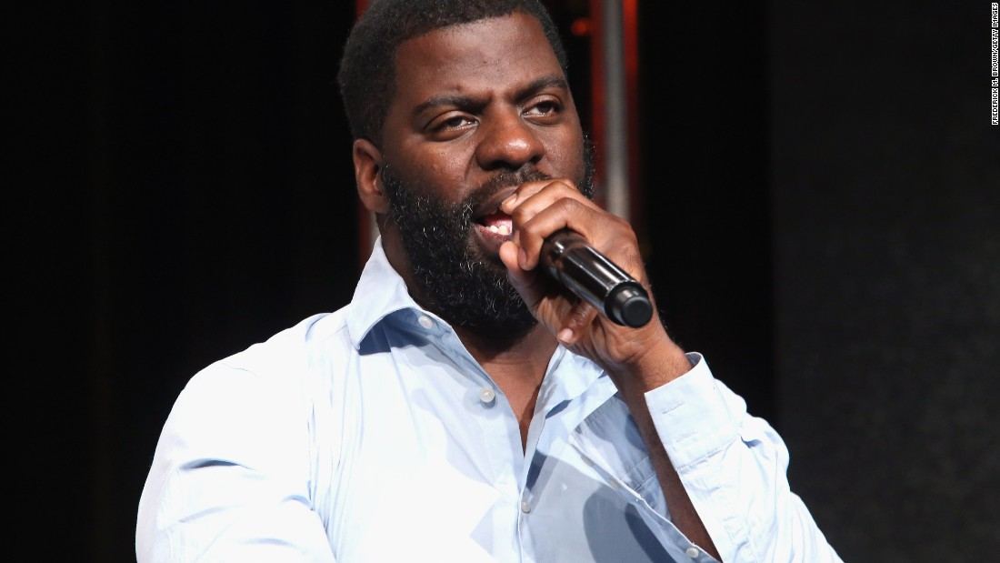 "Grammy-, Golden Globe- and Oscar-winning hip-hop artist, songwriter and activist Che ""Rhymefest"" Smith was born and raised in Chicago. The song ""Glory,"" which he co-wrote with John Legend and fellow Chicagoans Common and Kanye West, won the 2014 Golden Globe and Oscar for Best Original Song. Rhymefest also co-wrote ""Jesus Walks"" with West, for which they took the Best Rap Song Grammy in 2005. Also involved in activism and politics, the artist ran unsuccessfully for a Chicago alderman seat in 2010."