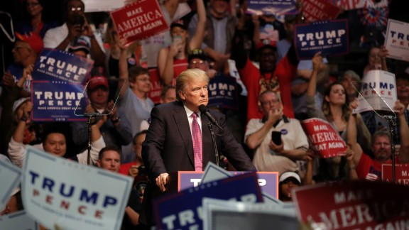Republican presidential nominee Donald Trump speaks at a rally at Xfinity Arena in Everett, Washington on August 30, 2016.  / AFP / Jason Redmond        (Photo credit should read JASON REDMOND/AFP/Getty Images)