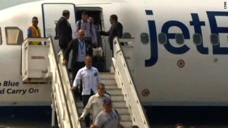 JetBlue arrives in Cuba.