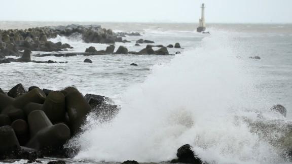 Waves beat against the seashore in Ishinomaki, Miyagi prefecture, on August 30, 2016 as Typhoon Lionrock approaches northeastern Japan.
