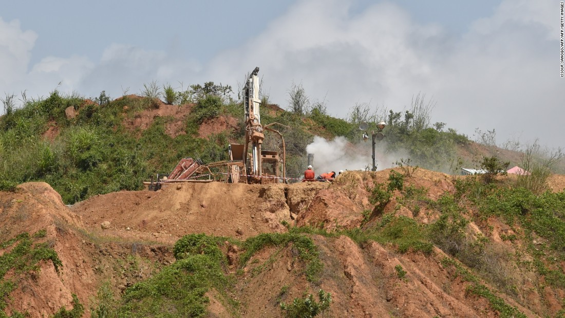 Work begins at the largest known reservoir of gold near the capital Yamoussoukro, with estimated reserves of 200 tons. <br /><br />The Yoaoure mine will be controlled by British firm Amara Mining. The company has invested around $400 million on the site, which is expected to begin production in 2017.