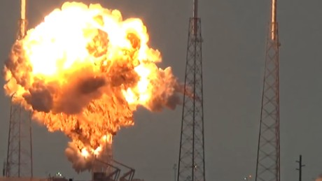 SpaceX rocket explodes on launch pad_00000000