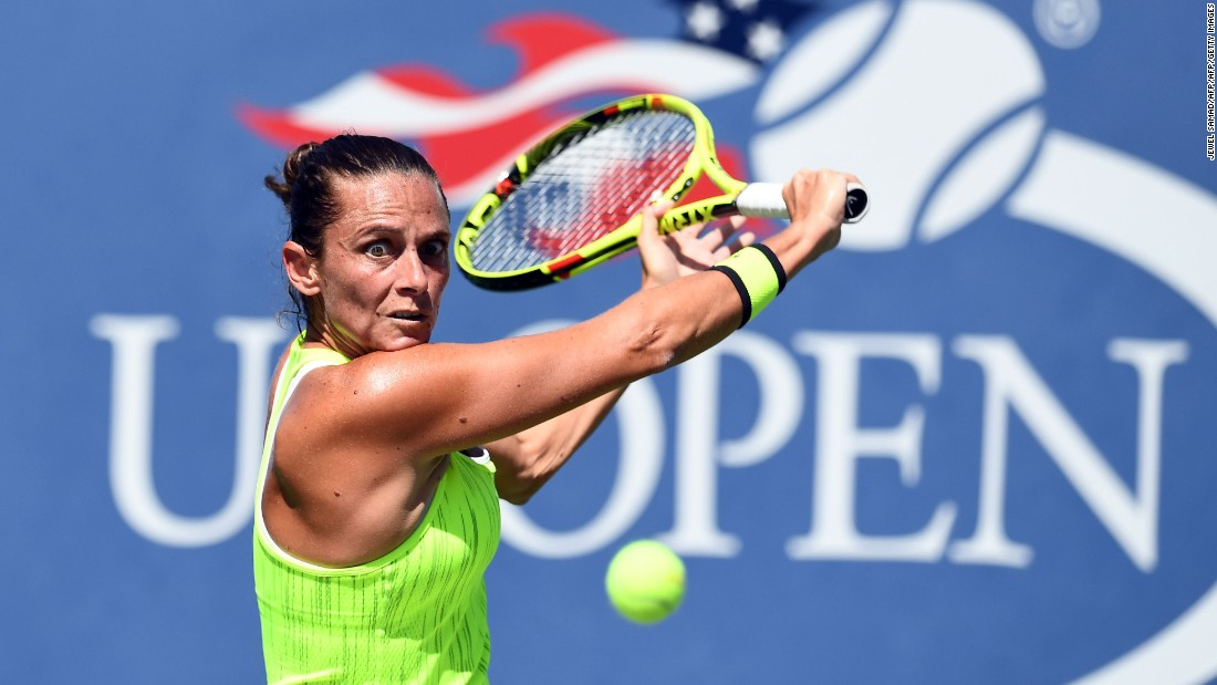 Roberta Vinci moved a step closer to another final at the US Open by beating Carina Witthoeft.