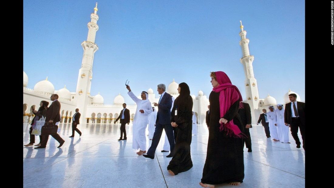 Sheikh Abdullah bin Zayed Al Nahyan, United Arab Emirates foreign minister, points out highlights at the Sheikh Zayed Grand Mosque as he takes Kerry on a tour in Abu Dhabi in 2015.