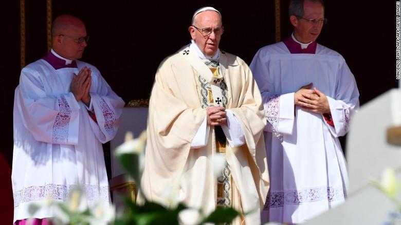 Mama s huem w pope