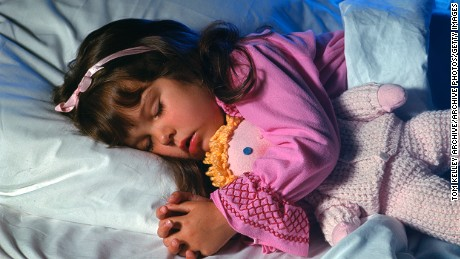 Bright Screens Keeps Kids Awake On >> Cell Phones And Screens Are Keeping Your Kid Awake Cnn