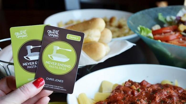 Olive Garden S Big Turnaround Better Wine Fewer Breadsticks Cnn