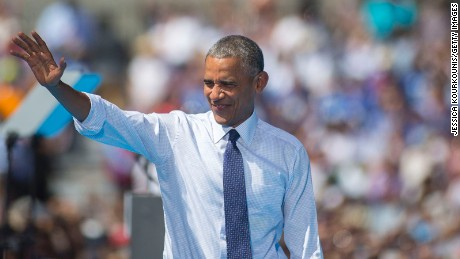 Obama stumps, 'vents' for Clinton